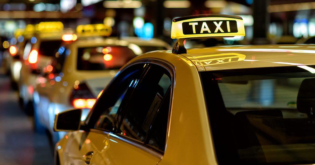 Hazautad taxival kényelmesen